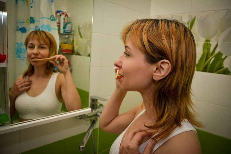 tooth brushing, hygiene, woman-6348296.jpg