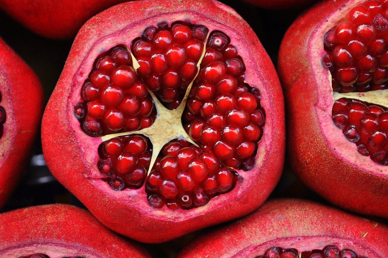 pomegranate, fruits, food-3383814.jpg